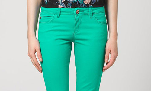 Hosen mit hohem Gestaltungspotenzial: bunte Jeans bei ZALANDO kaufen!